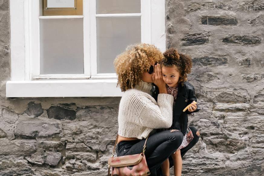 Early-literacy-mum-talking-to-child